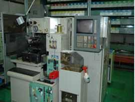 特殊加工 ワイヤー放電機