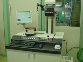 精密測定室 真円度測定器