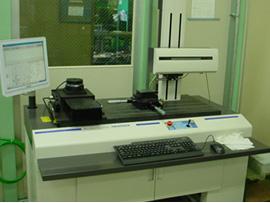 精密測定室 表面粗さ・輪郭形状測定器